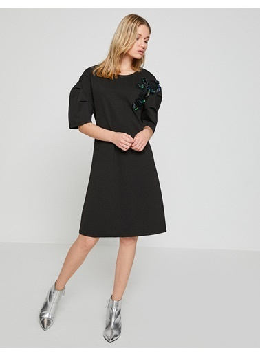 Koton Pul Detaylı Diz Boyu Elbise Siyah